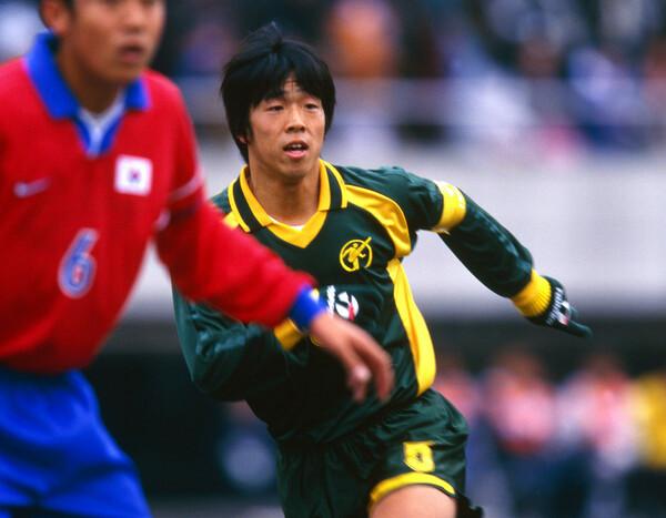 金古聖司は東福岡で1997年度と98年度に高校サッカー選手権連覇を果たした