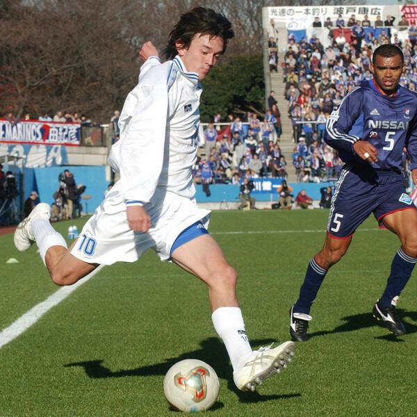 唯一高校生チームとして出場した2003年の天皇杯。PK戦の末チームは敗れるも注目を集めた