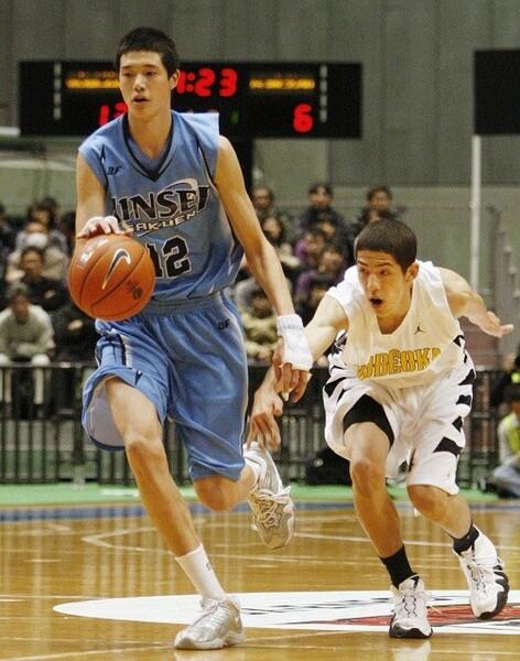 笠井康平、渡邊雄太(左)を軸にノーシードで決勝に進んだ尽誠学園。ベンドラメ礼生(右)など擁する優勝候補の延岡学園と戦った