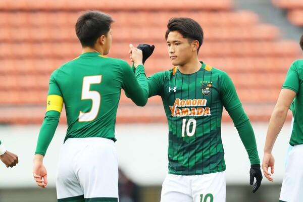 近年、高校サッカー界で好成績を収める青森山田と矢板中央が激突