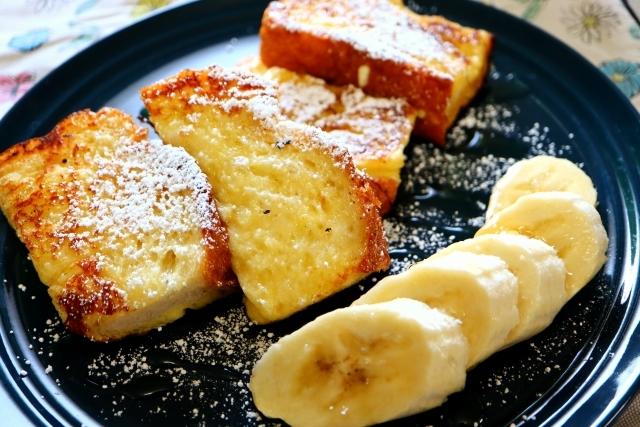 【簡単キャンプ朝ごはん】定番のホットサンド&フレンチトーストのひと工夫レシピ