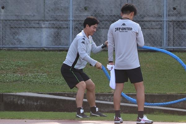 選手に課すものは自分でもやる。 それが尹晶煥監督です。
