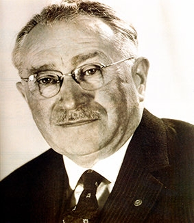 「パラリンピックの父」とよばれるルードウィヒ・グットマン博士
