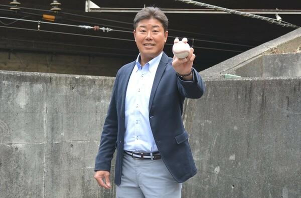 同級生の立浪、片岡、橋本、1学年下の宮本らとともに甲子園で春夏連覇を達成。当時のチームはPL学園史上最強とも言われるが、この評価に対して野村氏は……