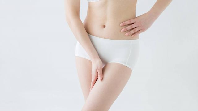 【痩せやすい体を作る裏ワザ】寝る前のゆるヨガが効果的?ポイントと2つのおすすめヨガポーズ