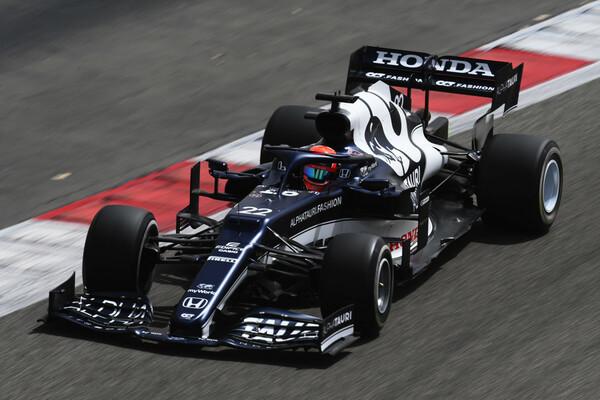 バーレーン公式テストでアルファタウリ・ホンダを操る角田裕毅。最終日には2番手タイムを記録