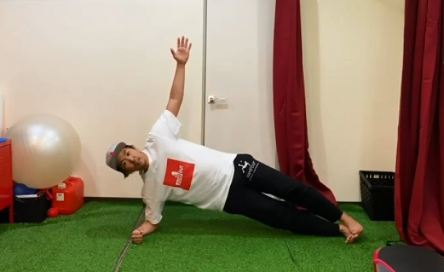 サッカー選手は必見!動く体づくりのための「体幹トレーニング」