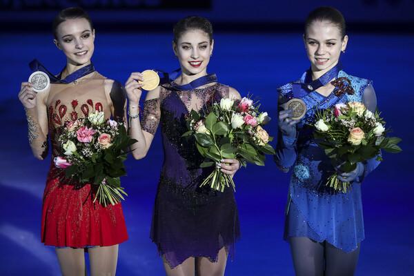日本のライバルとなるアンナ・シェルバコワ(写真左)、アレクサンドラ・トゥルソワ(写真右)らロシア勢にも注目だ