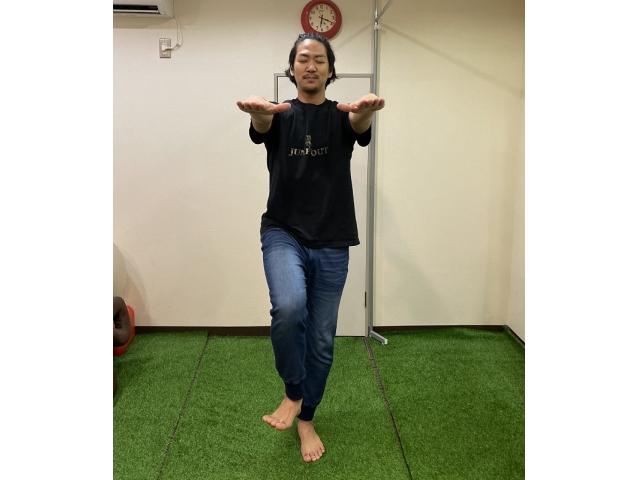 スポーツトレーナー実践!バランス感覚を整えるトレーニング1 「バランス感覚をチェックする」