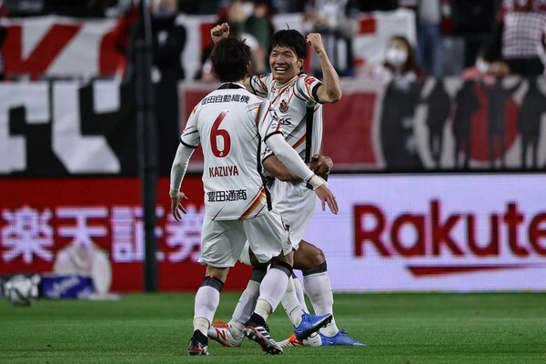 J1月間MVP初受賞の名古屋MF稲垣祥。3試合で決勝点を挙げて開幕6連勝に貢献、神戸戦では弾丸ミドルを突き刺した