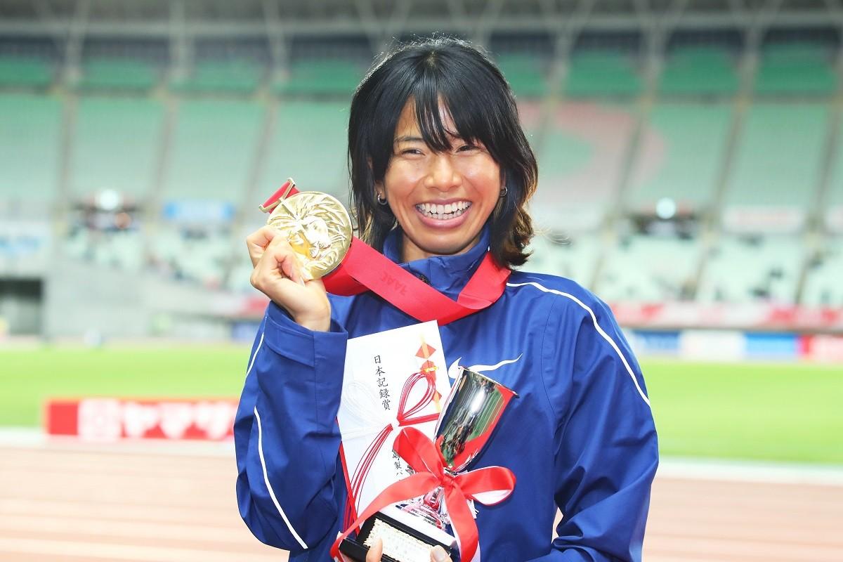 1万メートルで東京五輪代表に内定している新谷仁美。ただ、伝えたいのは競技面以外のことだと主張する
