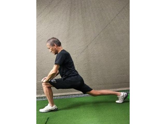 【ゴルフ】ラウンド前など簡単にできる股関節ストレッチ