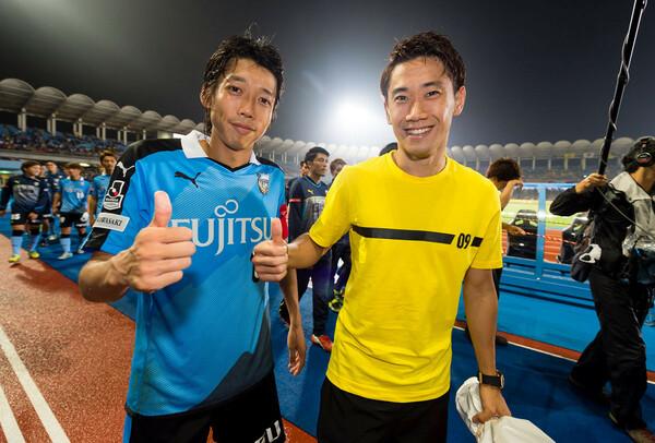 2015年夏、香川真司擁するドルトムントは川崎フロンターレと対戦。中村憲剛(左)は衝撃を受けたという