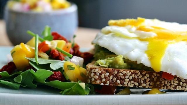 朝食を食べないと動脈硬化のリスクが2倍に上昇! 動脈硬化を予防することにもつながる朝食について