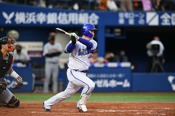 昨年、キャプテン就任初年度で首位打者を獲得した佐野選手は「自分のことだけで精一杯だった」と振り返ったが、石川さんはその活躍に太鼓判を押した