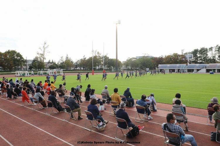 クボタスピアーズはシーズン前に試合会場での練習見学を実施した(写真は成田市中台運動陸上競技場)