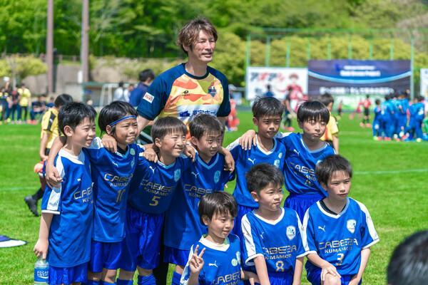 現役引退後は熊本県内でフットサル場やサッカースクールを経営するほか、子ども向けのスポーツイベントなども主催している