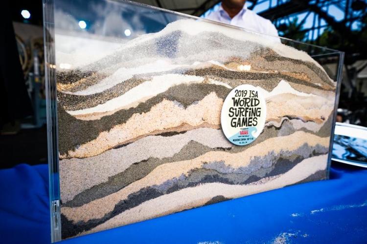 サンド・オブ・ザ・ワールドセレモニーで集まった世界中の砂