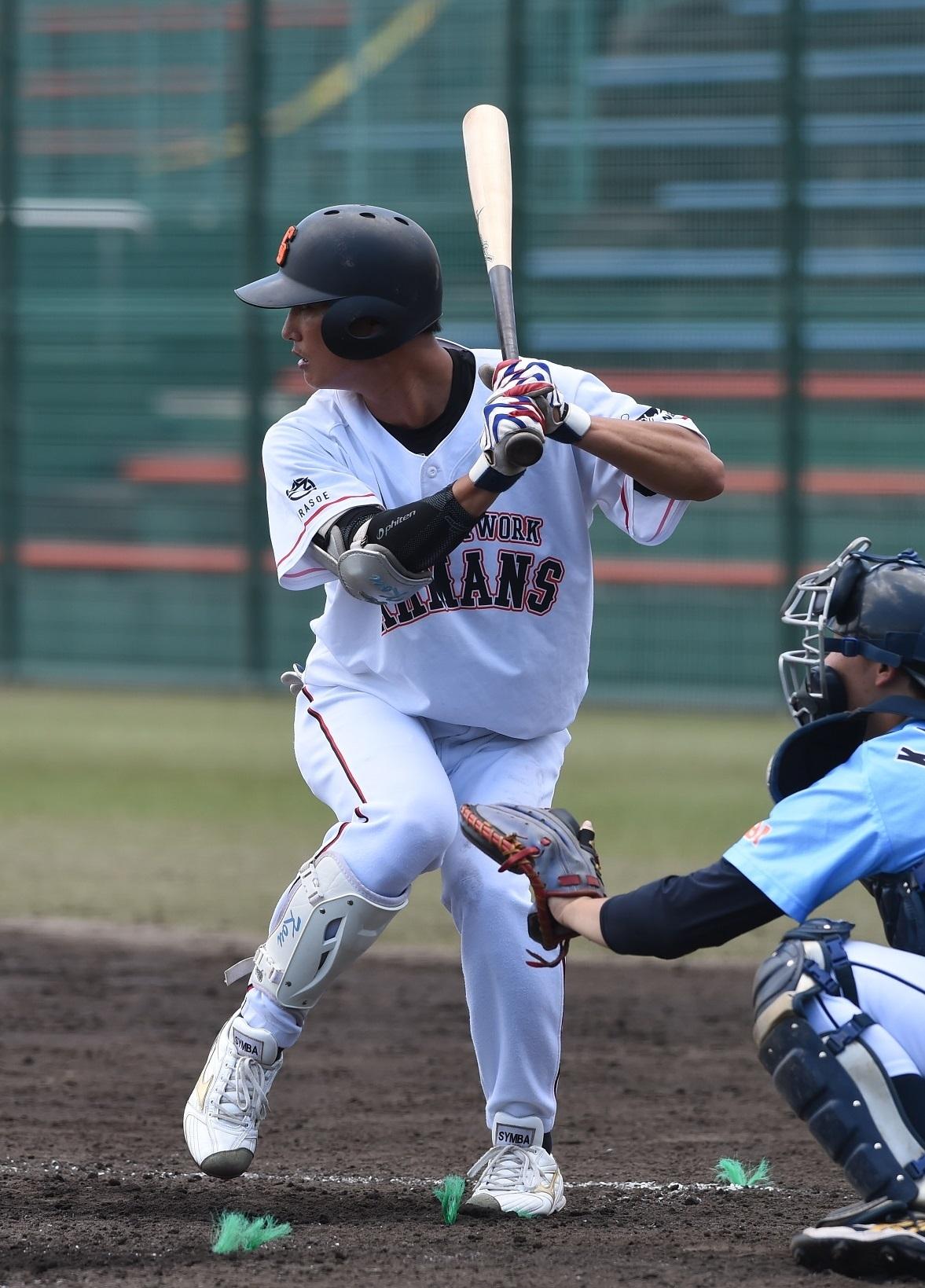 東京ガスで6年間プレーした濱田晃成は、シンバネットワークアーマンズベースボールクラブで攻守の中心だ。
