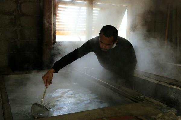 久保竜彦「牛島には1年くらい行けてなくて、塩作りも今は止まっていて再開の目途は立っていません」