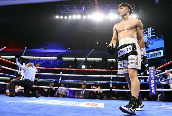 マイケル・ダスマリナス(フィリピン)を圧勝で下し、3度目の防衛に成功した井上尚弥