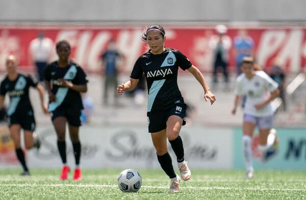川澄(中央)は35歳となった現在もアメリカ女子サッカープロリーグでプレーを続けている