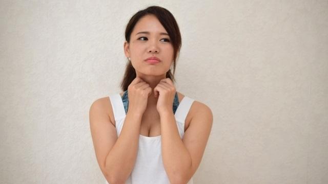 二重あごの原因は肥満だけではない?!知っておくべき原因と解消法とは