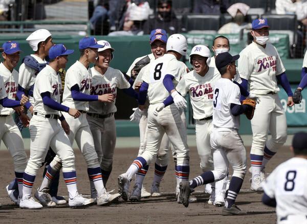 4年ぶりに出場したセンバツで1勝を挙げた神戸国際大付。春季大会では下級生の投手が場数を踏むなど、選手層の厚みが増している