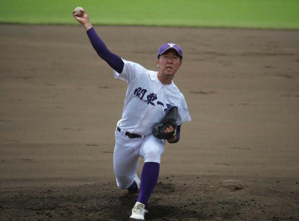 東東京で頭ひとつ抜けているのが関東一。完成度の高い投球でプロ注目の右腕・市川は、打撃も良く、クリーンナップを打てる力もある