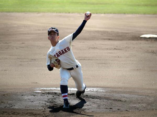 安定した投手力が、春を制した浦和学院の強みだ。この2年生左腕の宮城が試合を作り、速球派右腕の三奈木が救援するパターンが確立されている