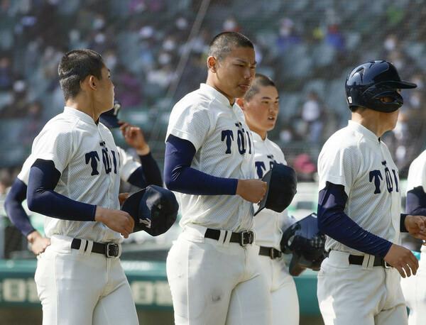 今春のセンバツは1回戦負けで、「夏こそ日本一」との思いが例年以上に強い大阪桐蔭。ともに150キロ超の松浦、関戸を擁すなど、分厚い選手層を誇る