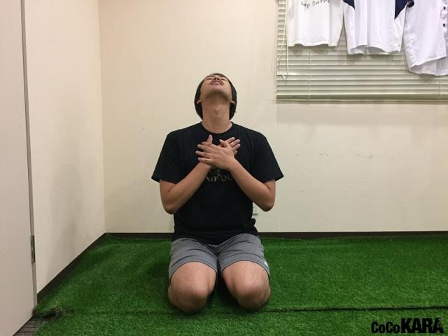 ぐっすり眠るために!スポーツトレーナーが実践「首・肩のストレッチ」