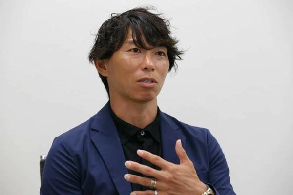 寿人さんはプロサッカー選手会会長に続いて、J-OBでも会長に就任。刷新された新体制のもと、選手会との連携などを進めていくつもりだ