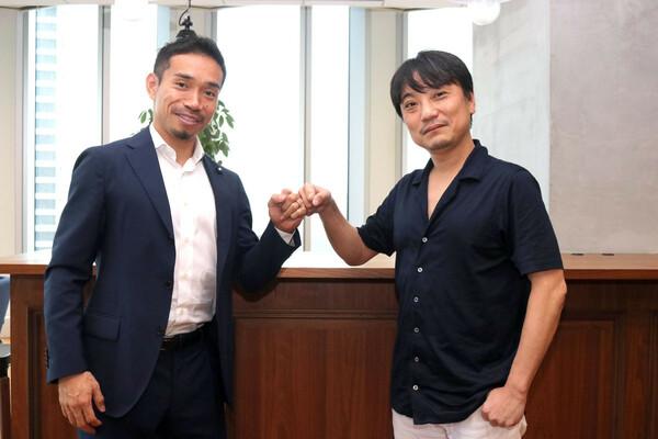 長友佑都(左)とフィナンシェのファウンダー國光宏尚氏(右)。「トークンはすごくワクワクするサービスだ」と長友は言う