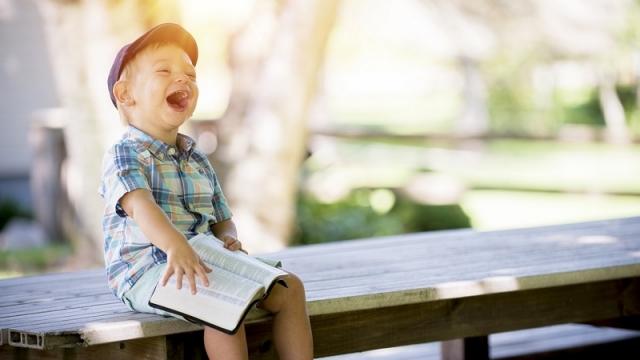 こんな時だからこそ笑ってすごしたい!医学的に実証されつつある「笑うこと」の健康効果とは