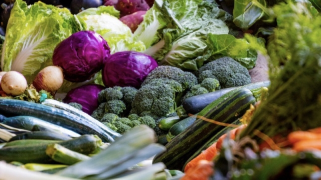 夏バテ対策におすすめの夏野菜とツボとは