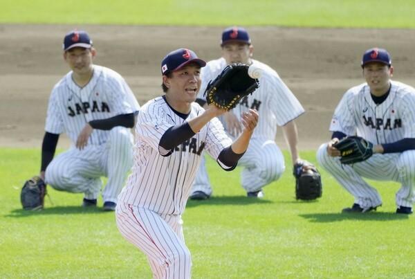 代表合宿で汗を流す稲葉ジャパンの投手陣たち。里崎氏は「気持ち」について語る