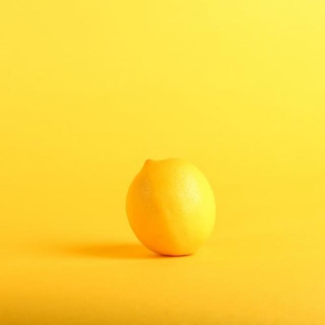 ビタミンCだけじゃない?!レモンの健康効果に注目!