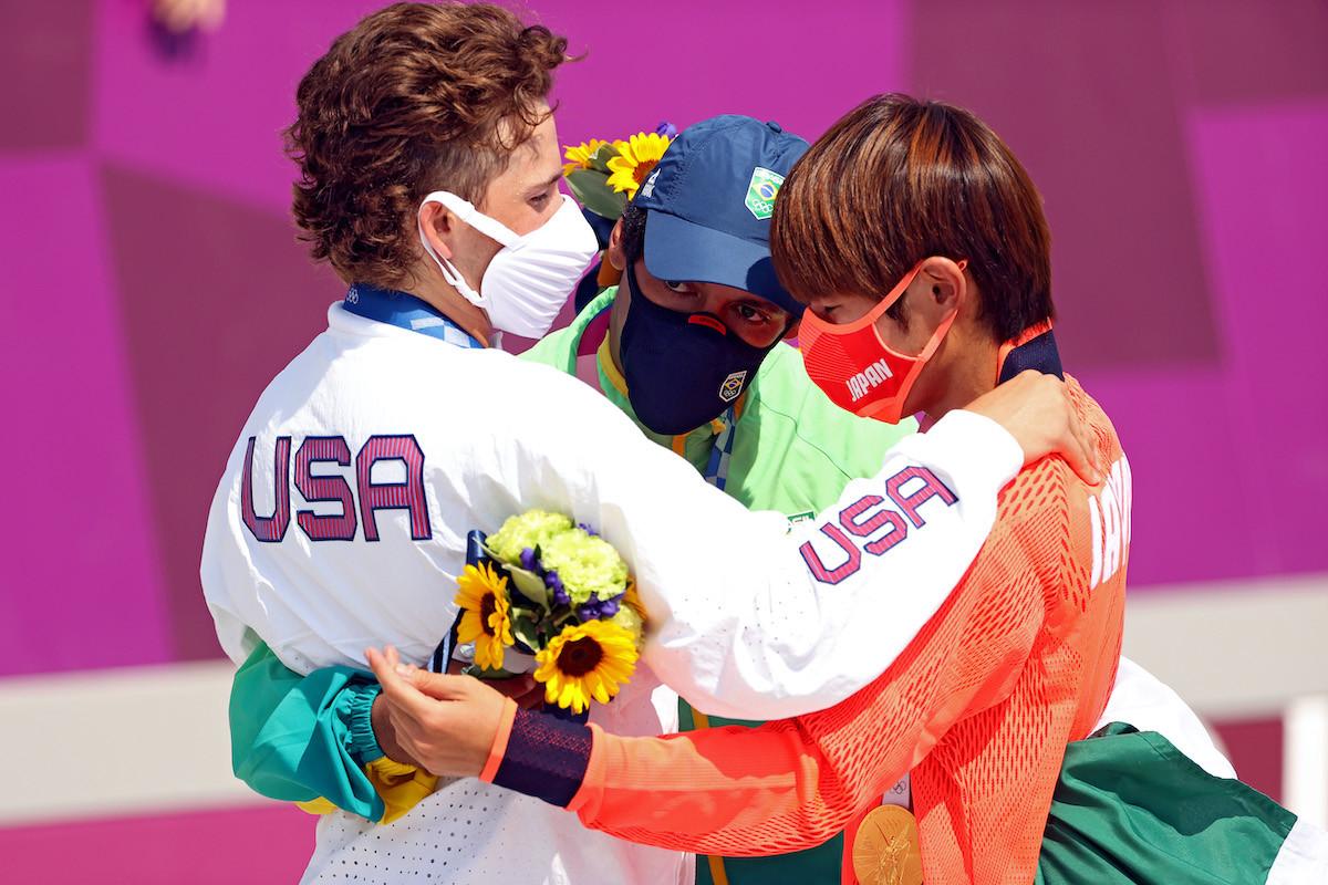 メダリストとなった3人。同じ大会に出場する選手たちはライバルでこそあれ、決して敵ではない