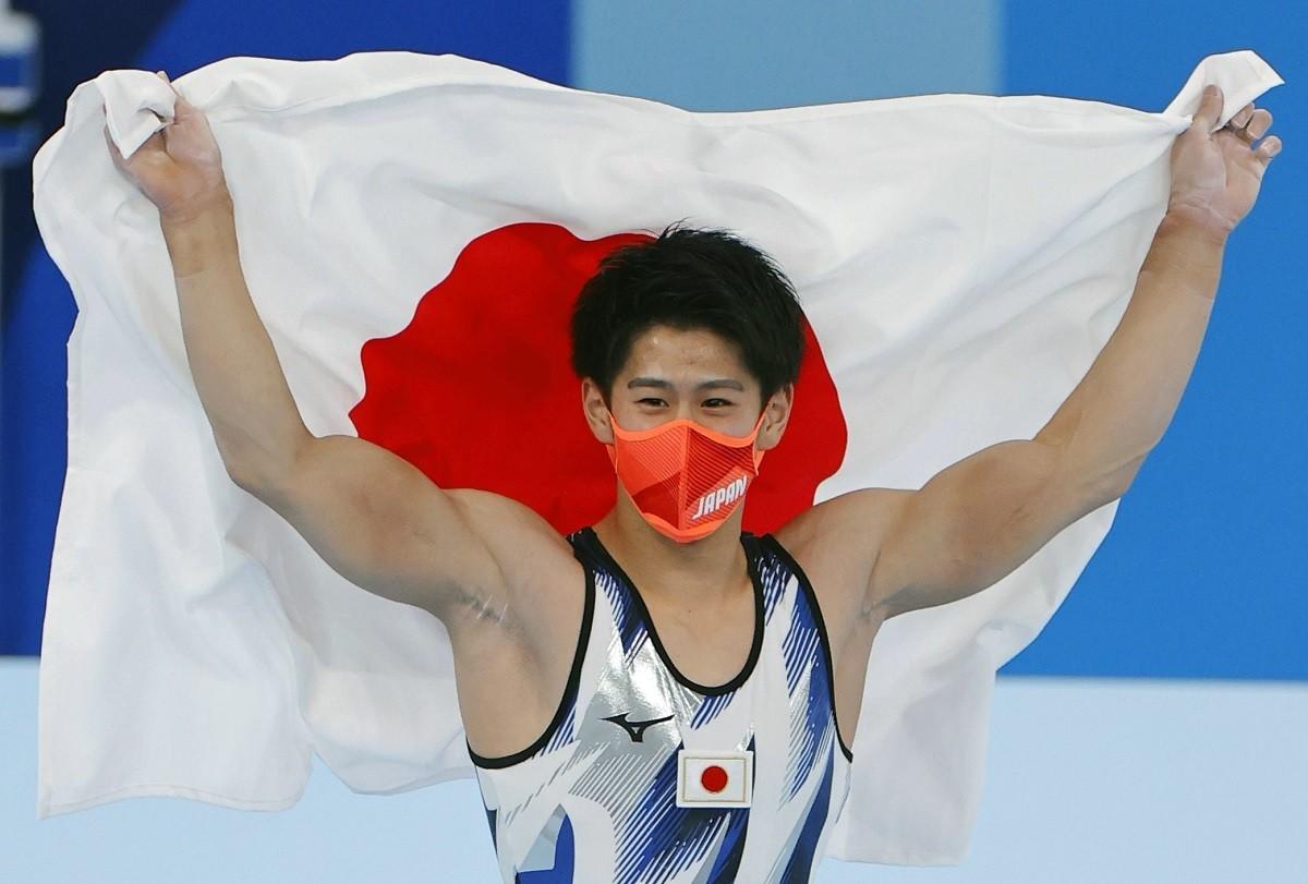 激しい戦いを制し、内村から続く「日本人個人総合3連覇」を成し遂げた橋本大輝