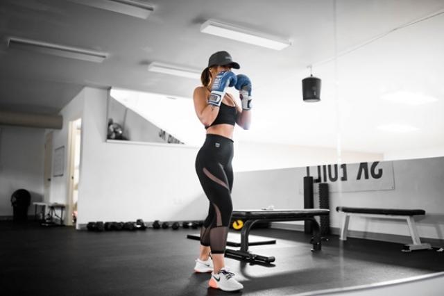 カロリー消費量はジョギングの3倍!?ボクササイズで簡単おうちダイエット
