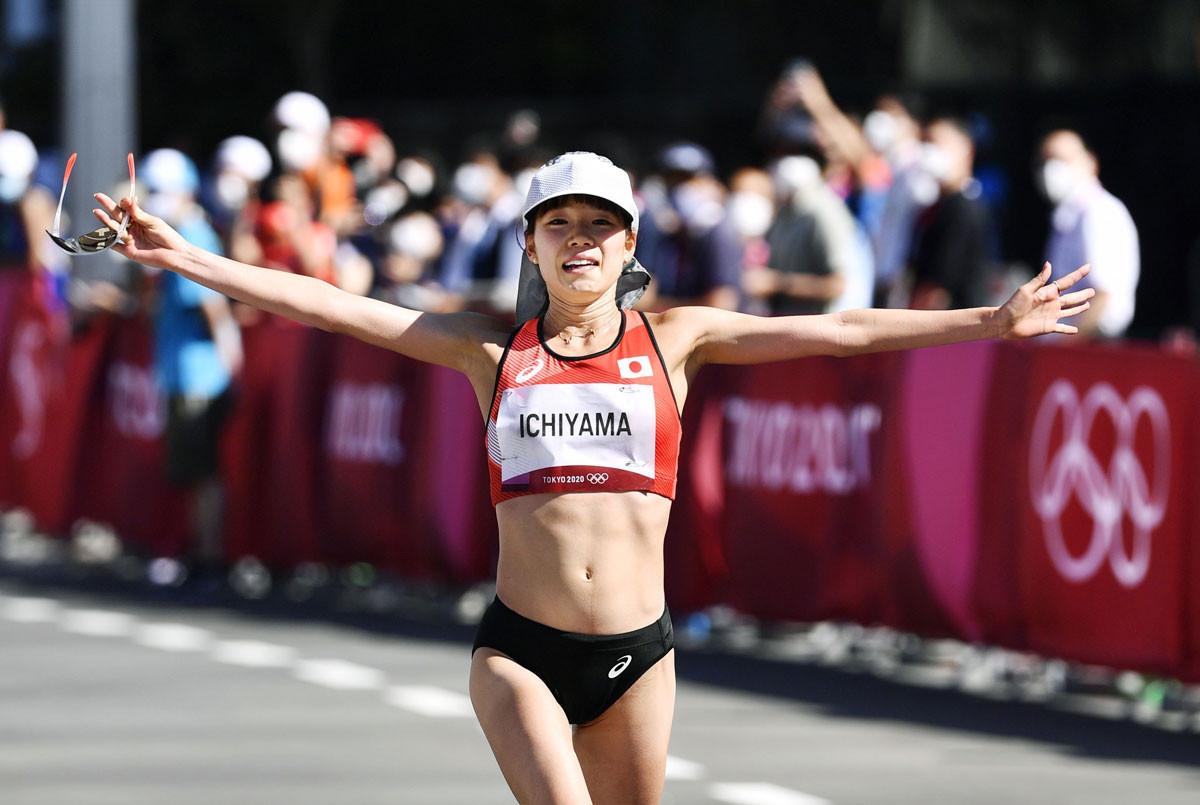 女子マラソンを8位で完走した一山。日本人ではアテネ五輪以来、17年ぶりの入賞を果たした