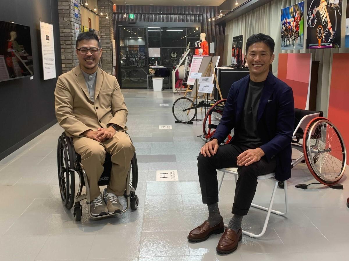 パラリンピックギャラリー銀座でラグビー元日本代表・廣瀬俊朗さん(右)と車いすラグビー元日本代表・三阪洋行さん(左)に、パラリンピックの見どころを語ってもらった