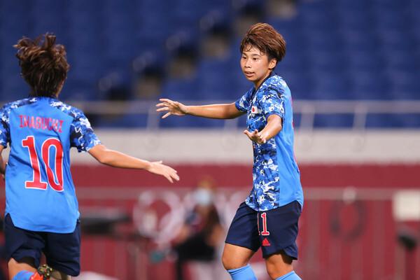 東京五輪で2ゴールをマークした田中。ドイツ移籍を経て、抜け目のない動きに磨きがかかり、さらに危険なFWに