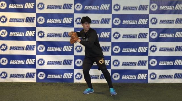 【野球練習メニュー】体の中で捌き、軸足に体重を乗せて送球する練習方法(Sufu)