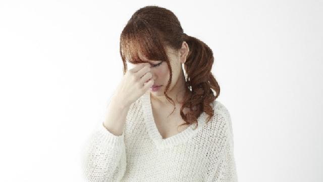 スマホの見過ぎは要注意!目の筋肉疲労を和らげる5つの方法
