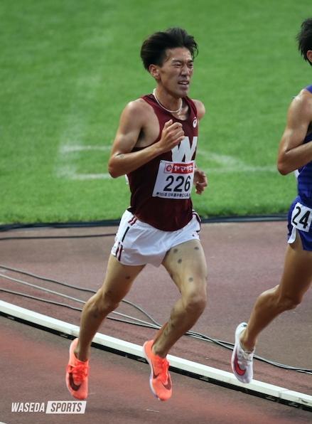 日本選手権男子5000メートルで8位入賞した千明